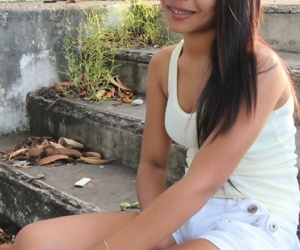 Cute Pinay teen in braces..