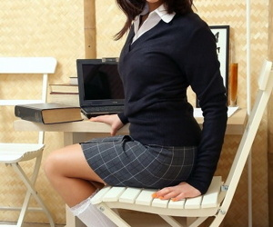 Brunette schoolgirl shows..