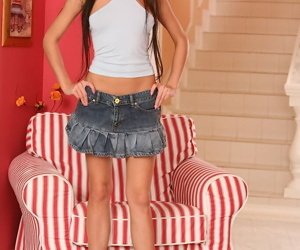 Sweet teen Samantha slides a..