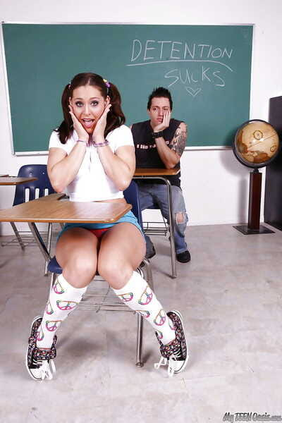 Young teen Gracie Glam in..