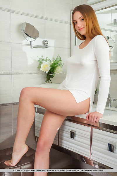 Redheaded babe with great..